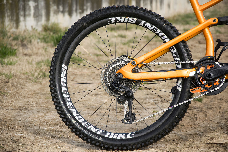 independent bike carbon